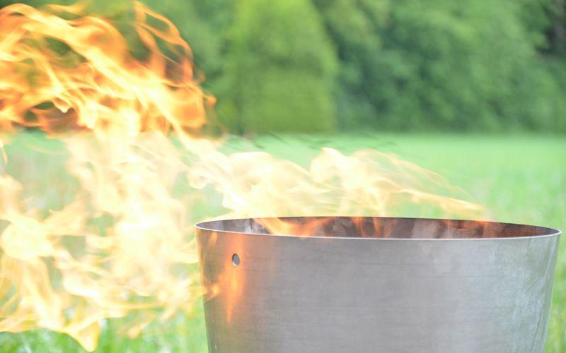 Ausbildung von Brandschutzhelfern - Feuer löschen Simulator